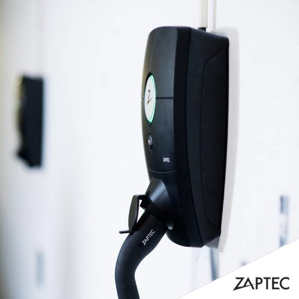 Zaptec Pro på vägg